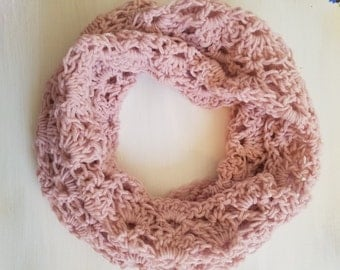 Lacey cowl