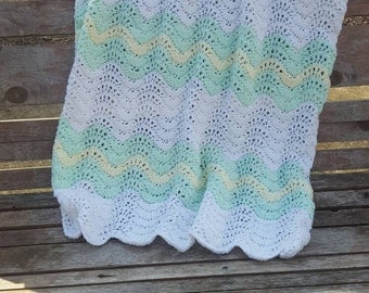 Rippled baby blanket