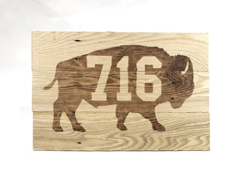 Buffalo NY standing bison 716 reclaimed pallet wood wall art