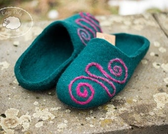 Cozy Womens house shoes Eco friendly slipper Natural wool shoe Dark cyan Warm home shoe Hand made slippers Wet felted wool Shoes ornament