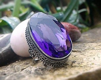 Beautiful ring Tanzanite, stone of exceptional size non adjustable 57.5