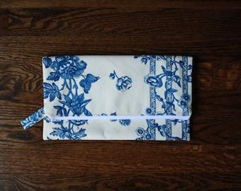 The Drop Off Bag - Vintage Blue Floral I
