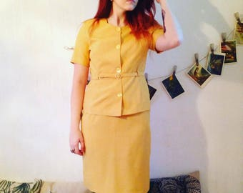 Vintage clothing. 1940s Yellow Suit Skirt+jacket with belt 38/M SIZE