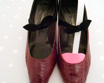 beautiful 50s stiletto heel pumps purple