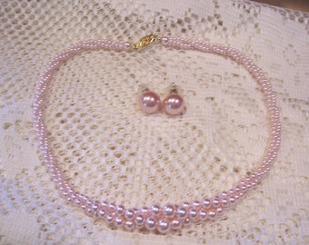 Delicate Twisted Pink Pearl Necklace and Earring Set