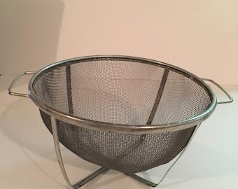 Small Mesh Strainer Black Plastic Handle Wire Basket Colander