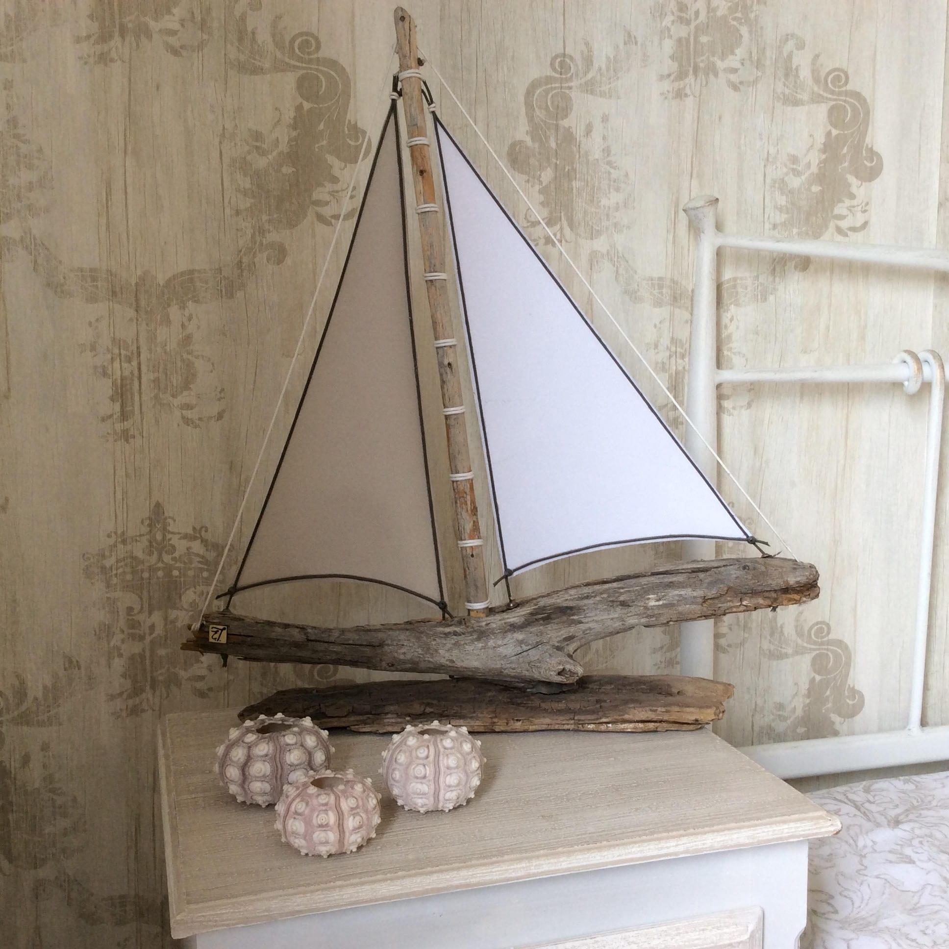 bois flott art bois flott bateau voilier sailing plage. Black Bedroom Furniture Sets. Home Design Ideas