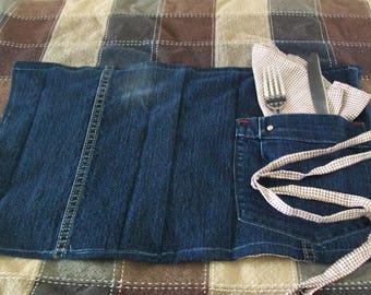 1 doily and 1 napkin set