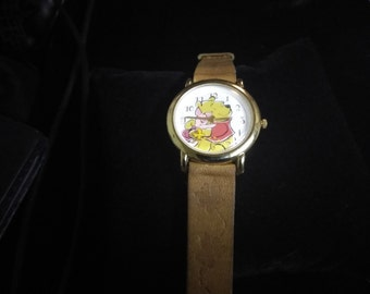 Vintage Winnie the Pooh & Piglet watch w butterfly second hand