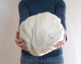 1 kg XXL off-white for weaving, knitting, felting or spinning wool