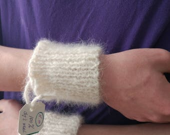 Knit Cable Wristlet/ Arm Warmer // 1 pair