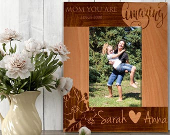Personalized Amazing Mom Photo Frame, Custom Engraved Frame for Mom, Mother's Day Gift, Custom Picture Frame, I Love My Mom Love Name #11