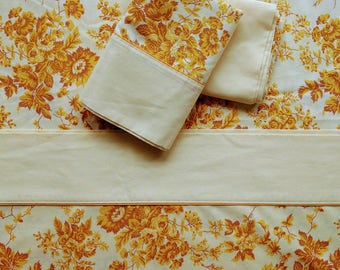 Vintage Wabasso golden floral Queen flat and 2 pillowcases