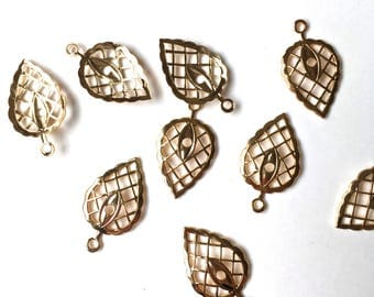 Small Ornamental Leaf with lattice work-Vintage Metal Findings-Jewelry, Crafts Supply- 1 lot (12 pcs)