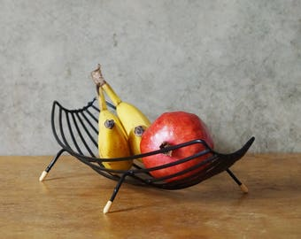Beautiful fruit bowl from the 60 s in string optics. Original mid century table decoration. Vintage tray / basket Germany. Fruit basket metal. Europe