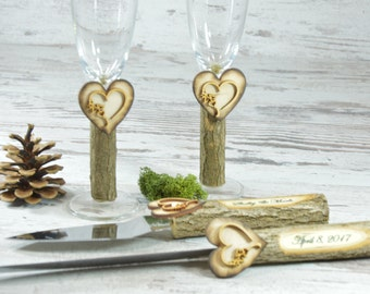 Toasting Glasses Flutes Rustic Cake Serving Set Personalized Knife Set Wedding Champagne Personalized Glasses Rustic Wedding Mr and Mrs Set