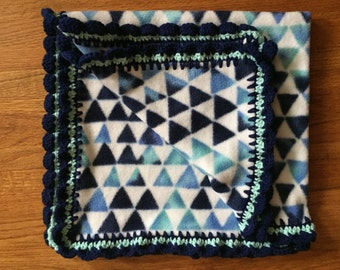 Blue Triangle Baby Blanket with Scalloped Edging, fleece baby blanket, crochet edge blanket, crochet baby blanket, stroller blanket