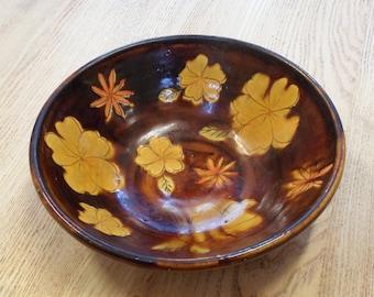 Autumn designed glazed bowl