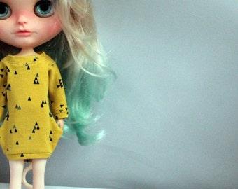 SALE: Fancy sweater-dress for Blythe doll