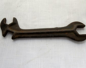Vintage rustic wrench/vintage tool/2 ended wrench/tractor wrench/vintage wrench/rustic wrench