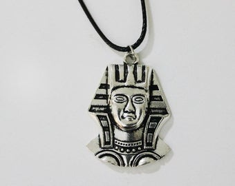 Pharaoh necklace pendant, Vintage Silver Tone Short Necklace, King Tut