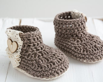 Crochet baby shoes, crochet baby boots,knitted baby booties,baby loafers , 0-3 m