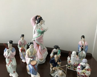 Chinese figurine's collection of 10