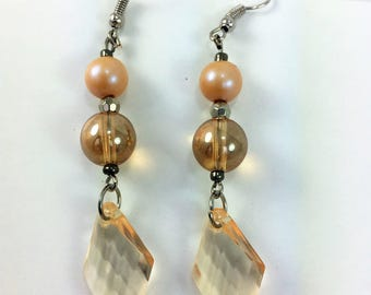 Light peach dangle earrings #43