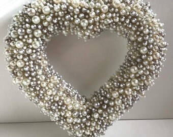 Beaded/ Heart /Wreath/Love/Wedding/Heart/Valentines Day/ Valentine/Pearl/White/Beaded/Wreath/Decor