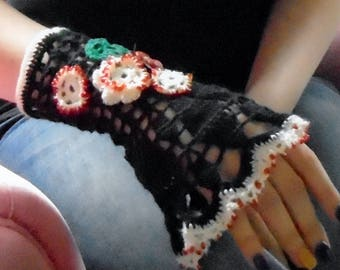 Irish Crochet Black Foxy Lady  Fingerless Glove 2