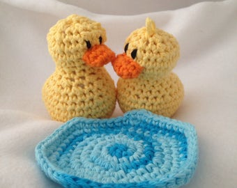 2 Ducks in a Pond, crochet amigurumi ducks, crochet duck and pond playmat