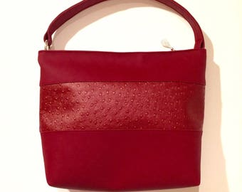 Bag with ostrich leather look