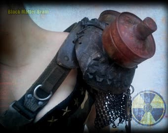 Post apocalyptic shoulder pad - punk diessel pauldron
