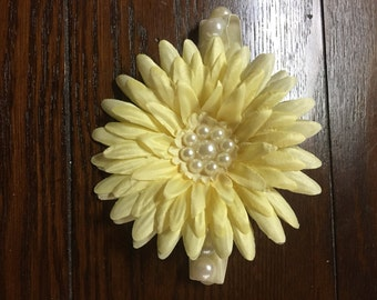 Pearl Band Daisy Headband