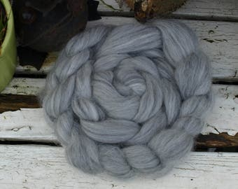 Alpaca roving top finely combed