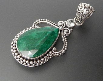 Greg Anthony 925 silver blue topaz & tear drop emerald beaded statement pendant