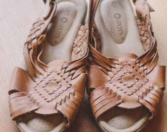 Vintage Women's Brown Leather Sandals Size 8