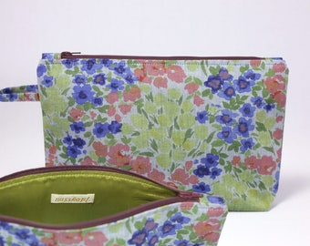 Bag with flower pattern of jeans