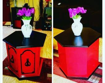 Glossy white vase w unique design