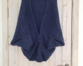 Knitted cardigan from fat wool