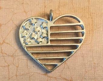 Custom made American flag heart pendant (1)