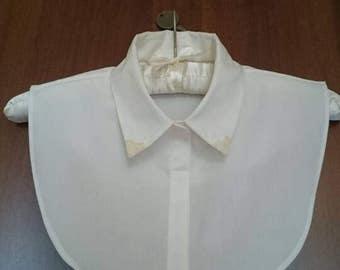 Half collar shirt.