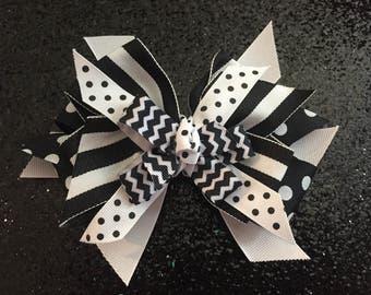 "Black & White Polka Dot/Stripes Bow 5"" with Gator Clip"