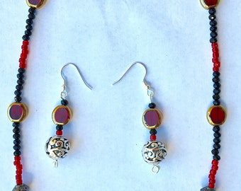 Queen of Hearts necklace/earring set