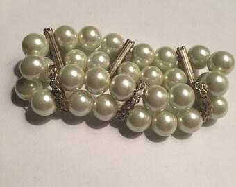 Vintage bracelet faux pearls