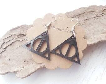 Harry potter deathly Hallows  earrings. Harry potter jewellery. Deathly hallows jewellery. Always. Film Geek jewellery happy potter HP film