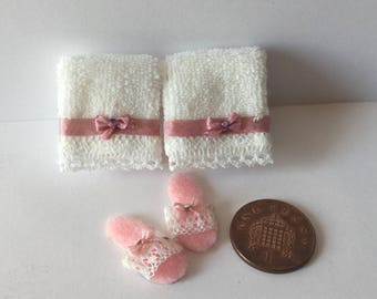 Dolls House Miniature handmade 1 12 th scale Pair of lace trim towels & Slippers
