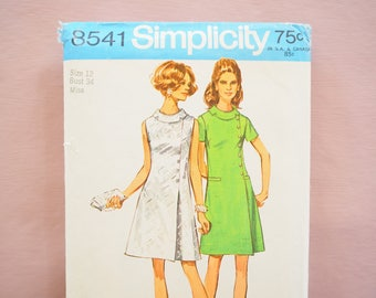 Simplicity 8541 Chic A-line dress 1960s Vintage Retro Sewing Pattern size 12 Bust 34 inches