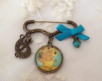 Van Gogh's sunflowers brooch.