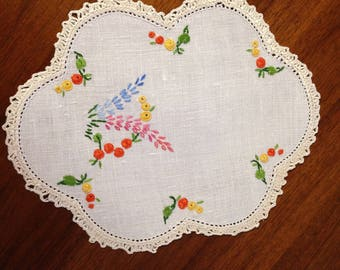 Vintage hand embroidered doily, 22 x 17 cm, multi coloured flowers
